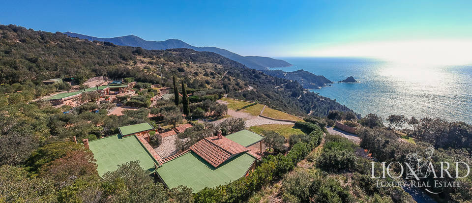 Charming villa for sale in Monte Argentario Image 1