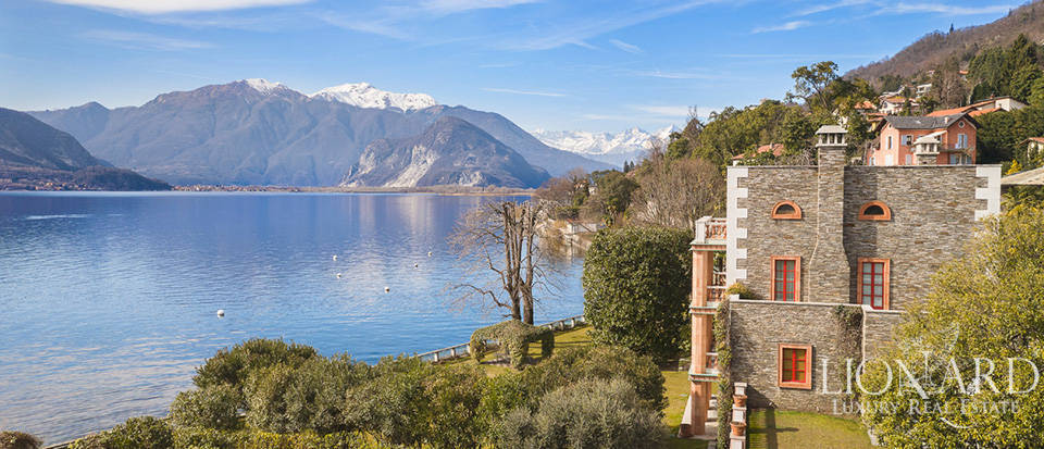 Exclusive lake-front villa with dockyard by Lake Maggiore Image 1