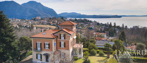 luxury property with a view of lake maggiore in verbania