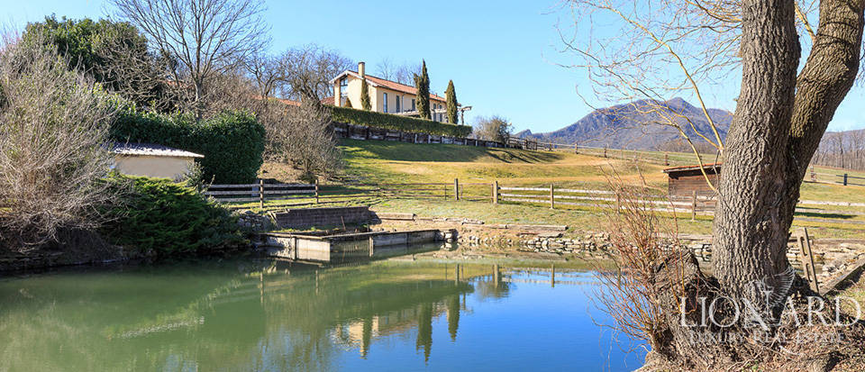 Stunning farm with agritourism resort in the province of Varese Image 1