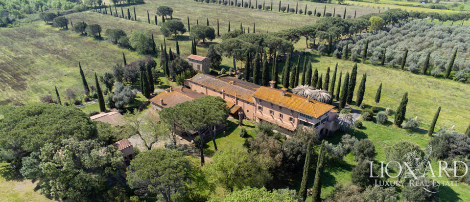 Luxury agritourism resort for sale near Grosseto Image 1