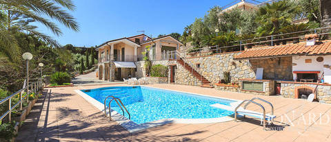 villa bordighera piscina liguria