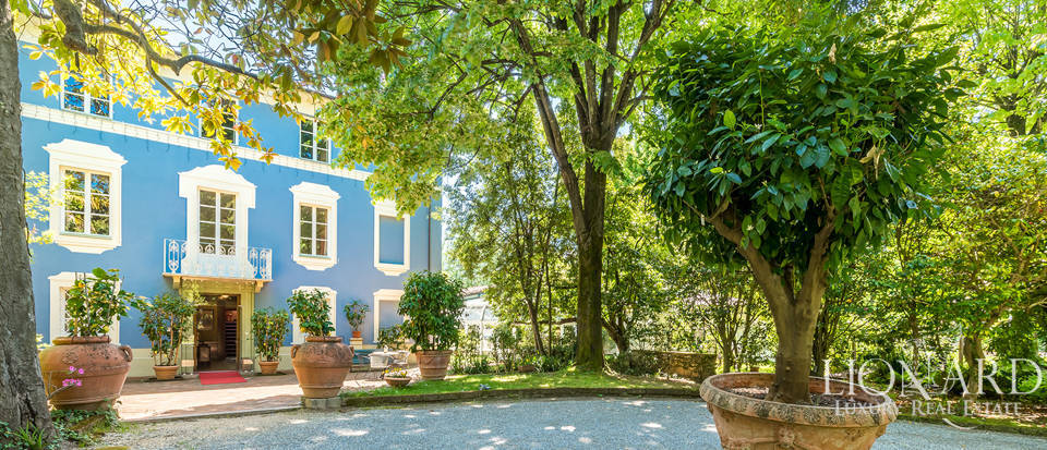 Luxurious agritourism resort with pool for sale in Lucca Image 1