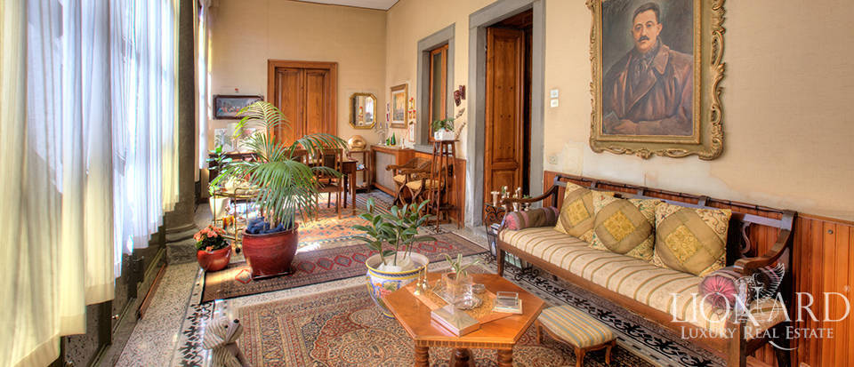 Elegant period estate near Lake Iseo Image 1
