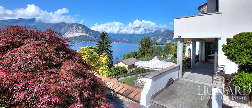 Exclusive estate along the shores of Lake Maggiore Image 1