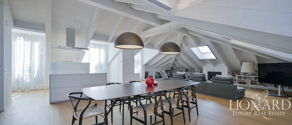 Exclusive penthouse for sale in Piazza San Babila Image 1