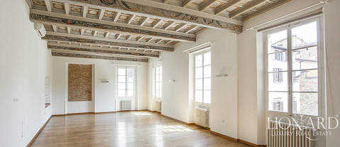 luxurious apartment for sale centreal florence 1