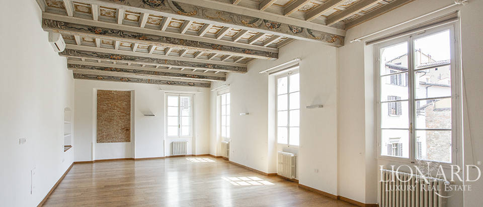 Elegant apartment for sale in Florence Image 1