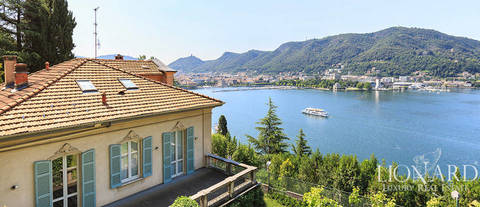 villa with pool facing lake como