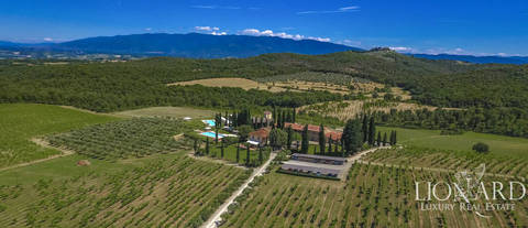 luxury hamlet for sale pool arezzo bucine