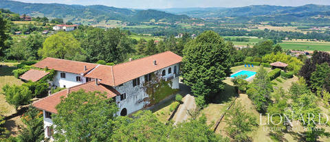 charming historical farmhouse with pool in monferrato