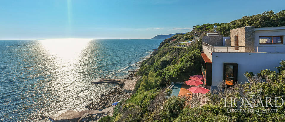 Stunning sea-front villa with panoramic infinity pool by the Tuscan sea