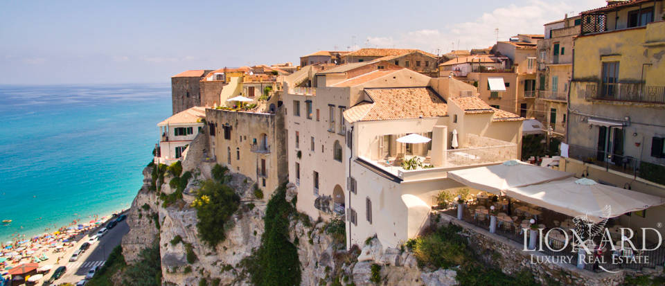 Luxury apartment for sale in Tropea Image 1
