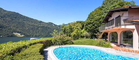 villa with pool and access to lake como