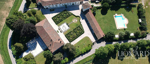 ancient luxury farmstead and winery in the province of pordenone