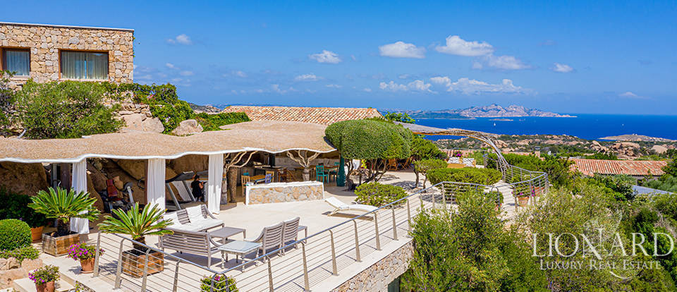 Prestigious villa with pool in Porto Cervo Image 1