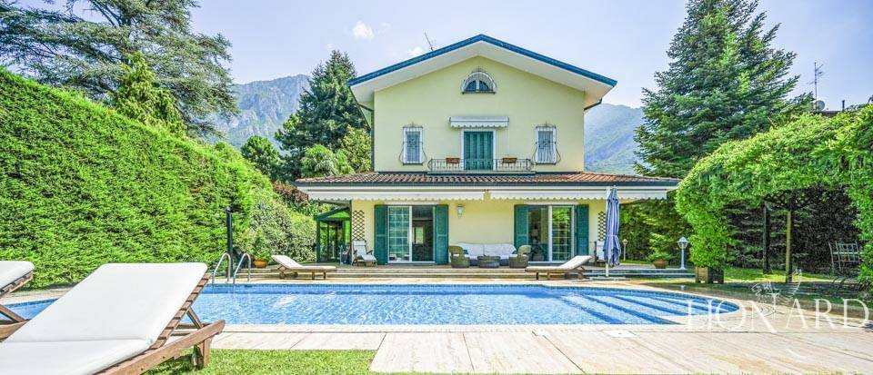 Stunning villa with a view of Lake Como Image 1