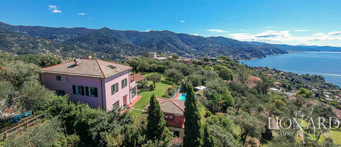 villa with view of sea in rapallo
