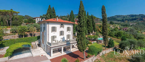 villa with pool in montecatini