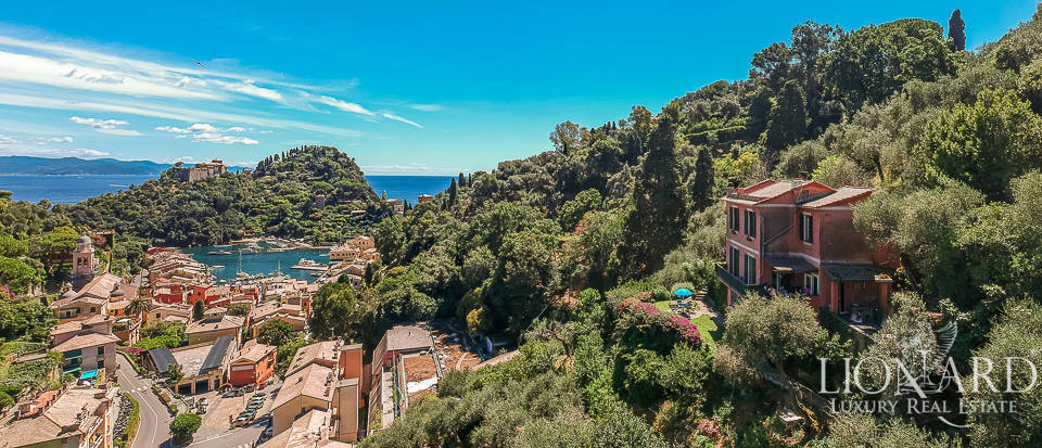 Panoramic villa for sale in Portofino Image 1
