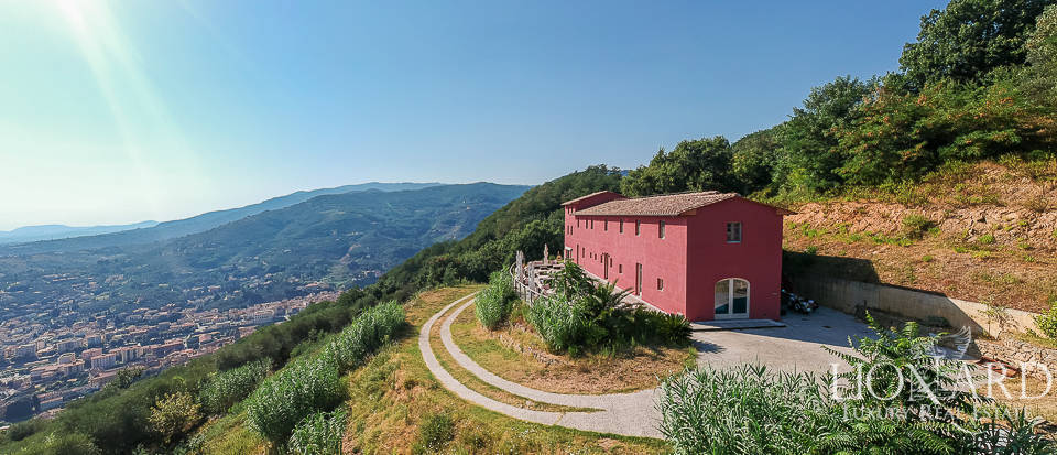 Stunning agritourism resort for sale on Pistoia