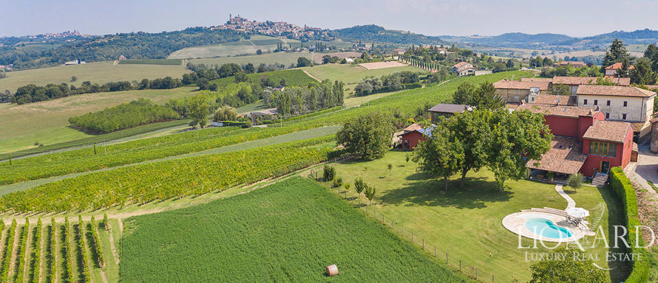 Exclusive luxury farmhouse in Monferrato Image 1