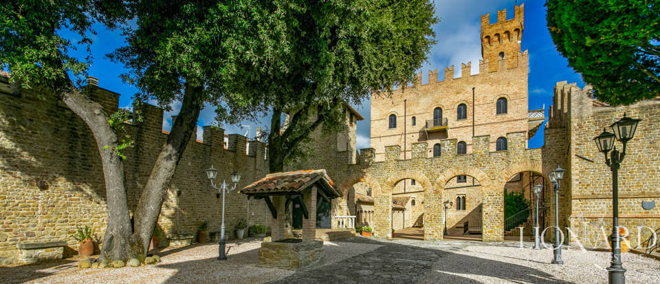 Wonderful Medieval castle near Urbino Image 1