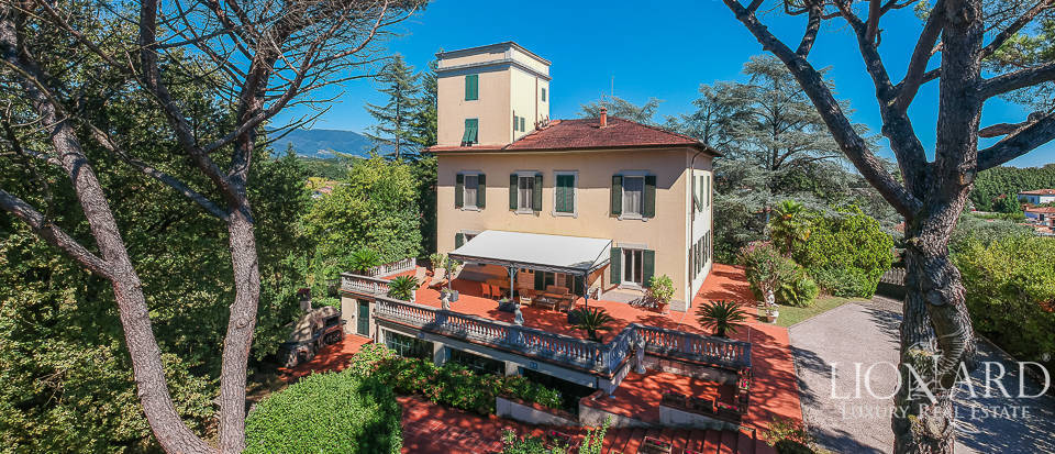 19th-century villa for sale in Lucca Image 1