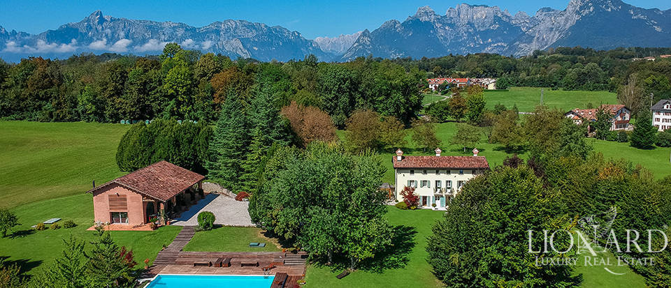 Luxury villa with helipad for sale in Belluno Image 1