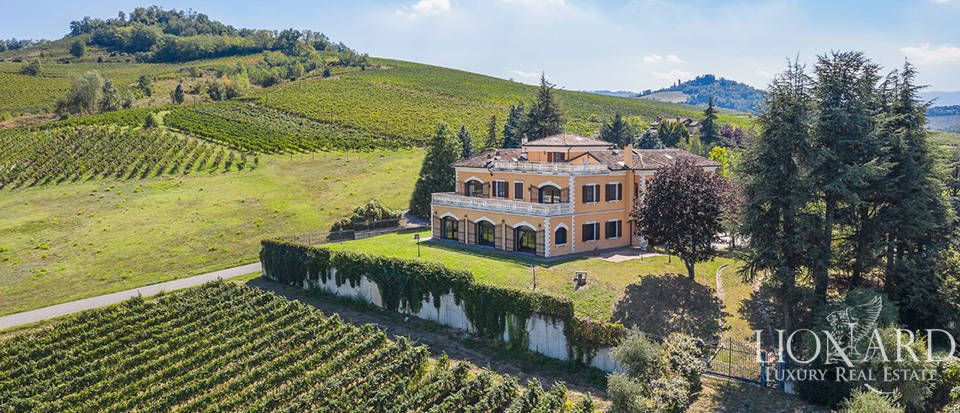 Prestigious luxury estate in the Oltrepò Pavese area Image 1