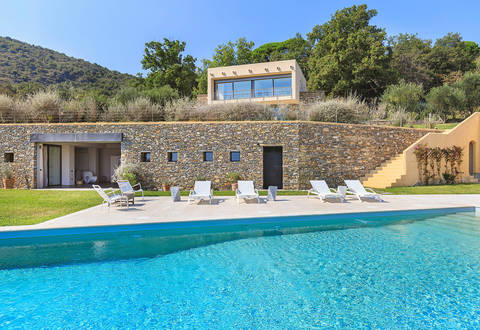 modern panoramic villa for sale in alassio