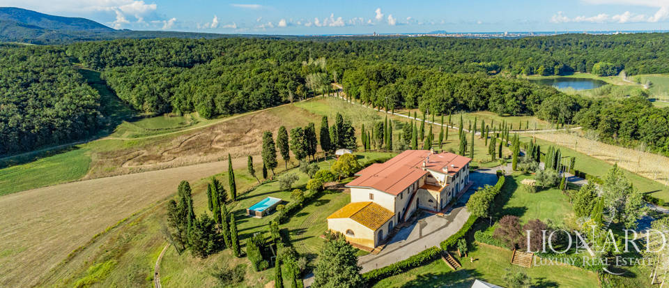 One-thousand-hectare farmstead in Livorno Image 1