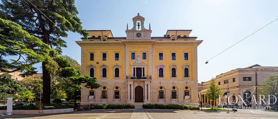 Palazzo Poste - Luxury apartments in Verona Image 1