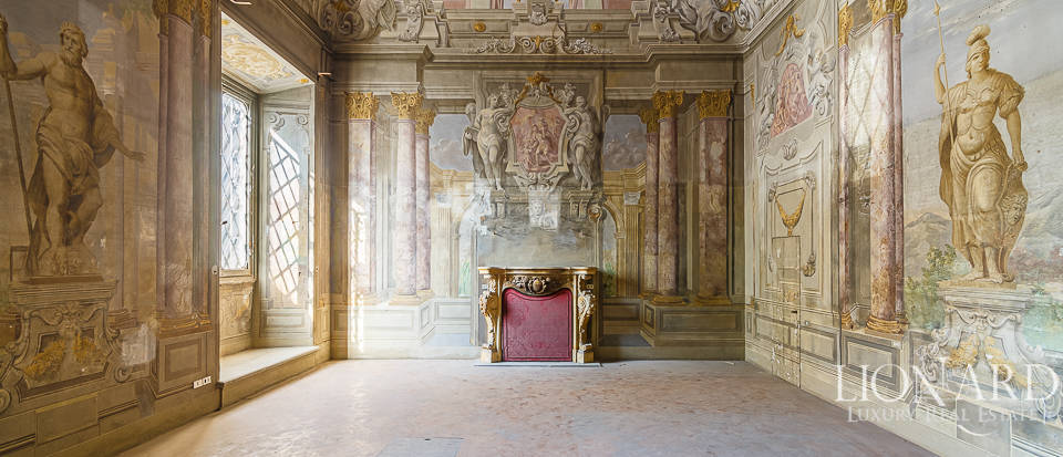 Palazzo Serristori - Luxurious apartment for sale in Florence Image 1