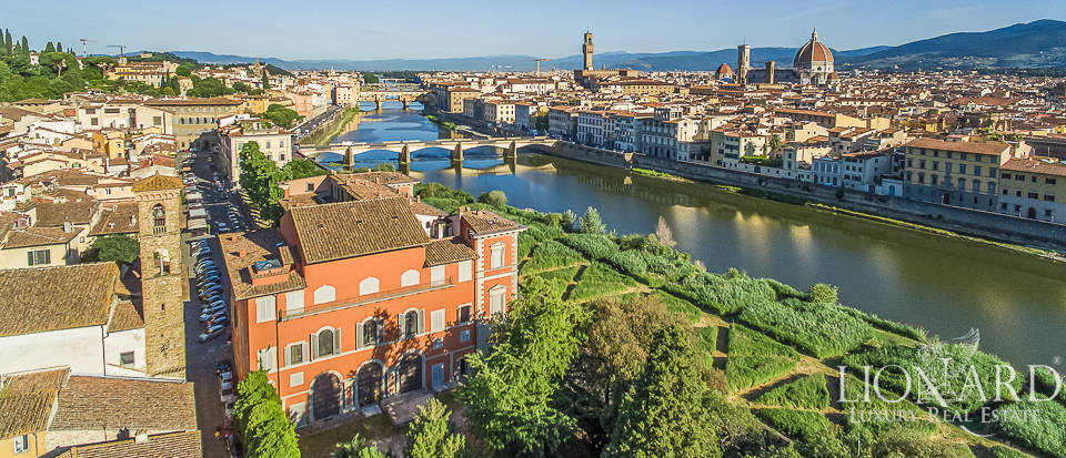 Palazzo Serristori - Luxury penthouse for sale in Florence Image 1