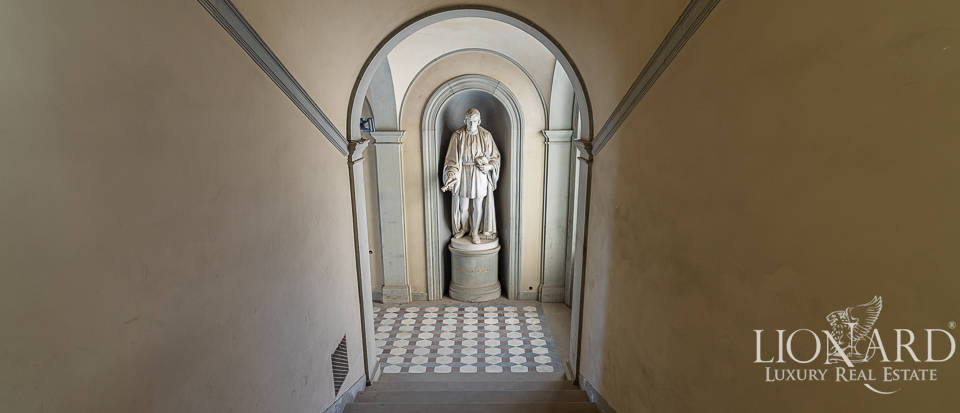 Palazzo Serristori - Luxury apartment for sale in Florence Image 1