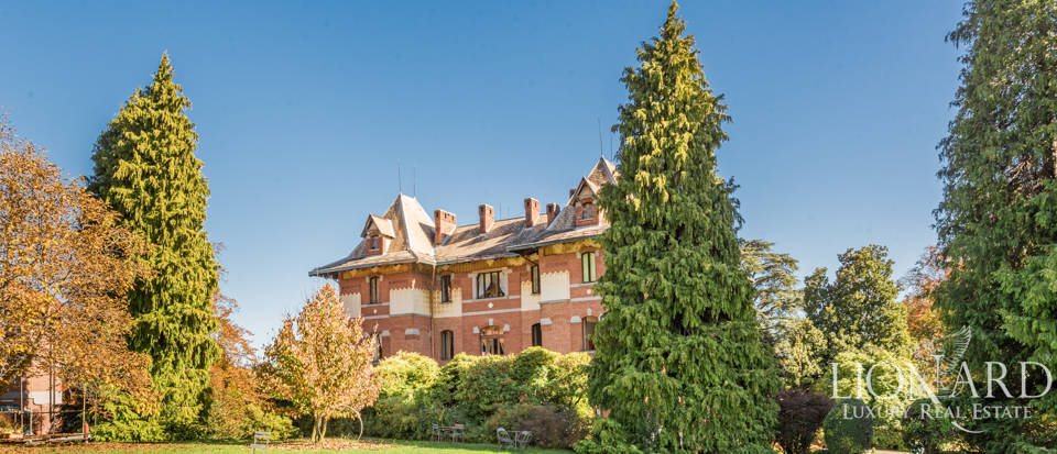 Excusive period estate for sale in Piedmont Image 1