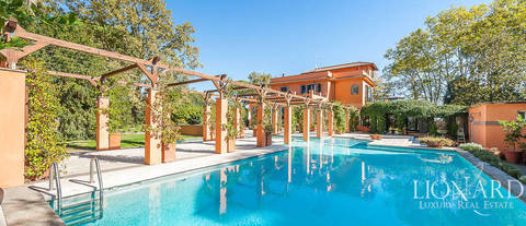 luxury villa with pool for sale in rome