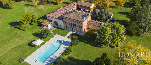 prestigious 18th century estate in verona