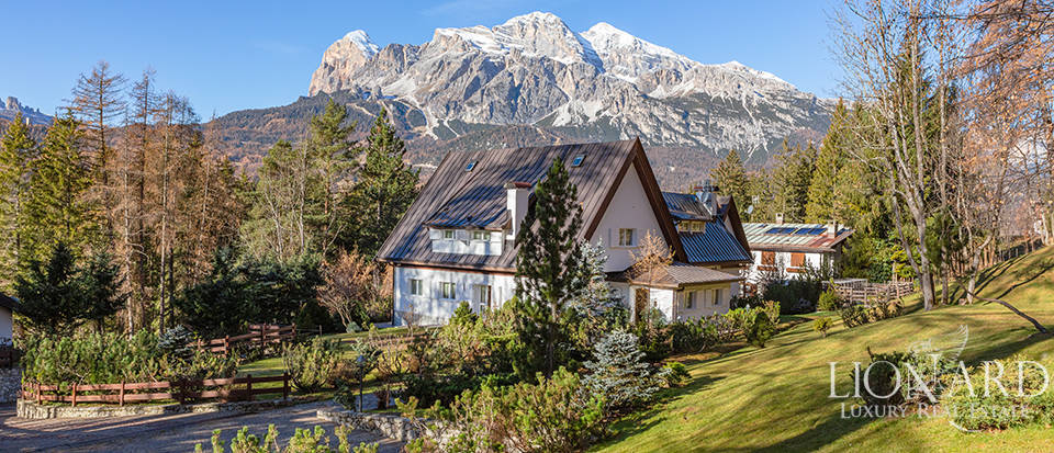 Luxury villa for sale in Cortina D
