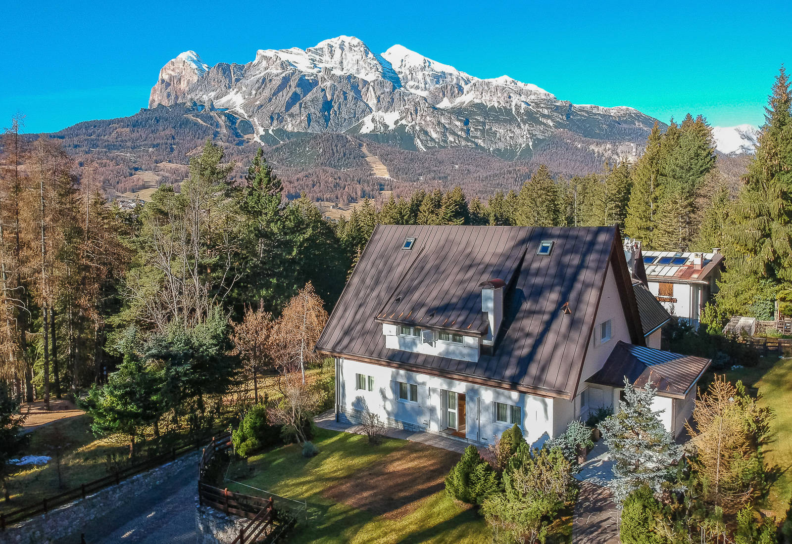 Luxury property with indoor pool for sale in Cortina D'Ampezzo