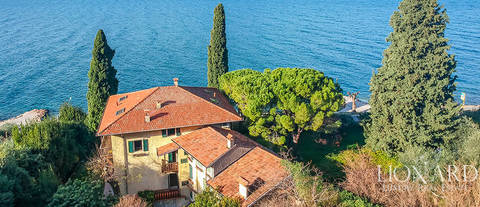 stunning historical villa facing lake garda