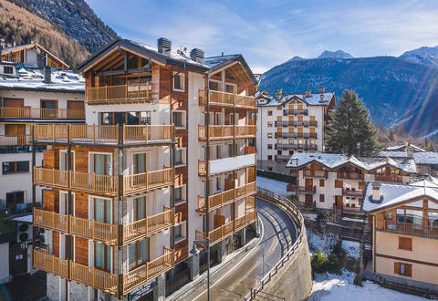 modern panoramic penthouse in courmayeur