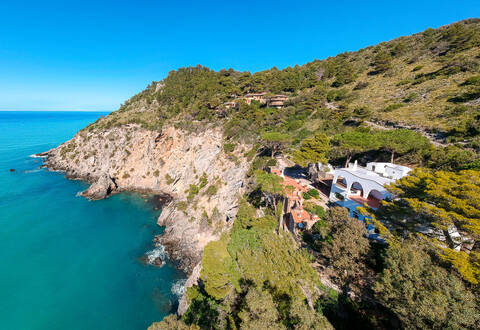 luxury sea facing villa in talamone