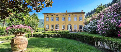 luxury farmstead in luccas countryside