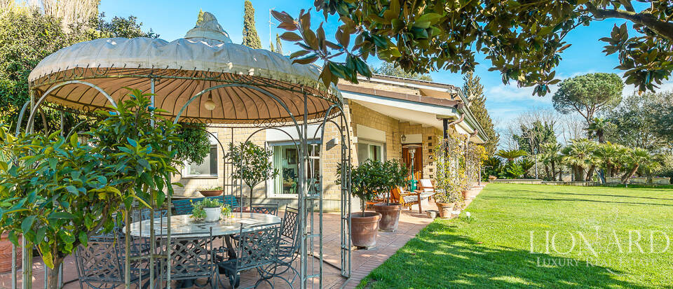 Charming villa for sale on Rome