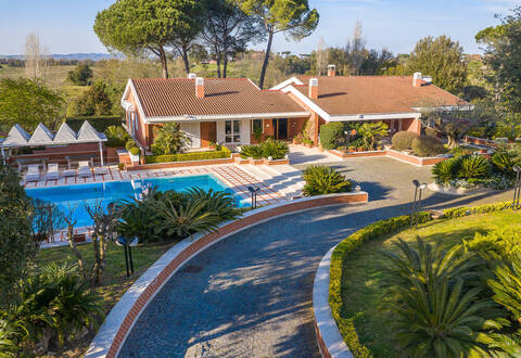 luxury villa on outskirts of rome