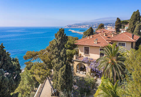 luxury sea facing villa in imperia