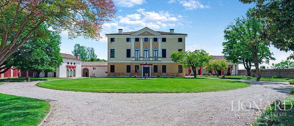 Period estate on the outskirts of Vicenza Image 1