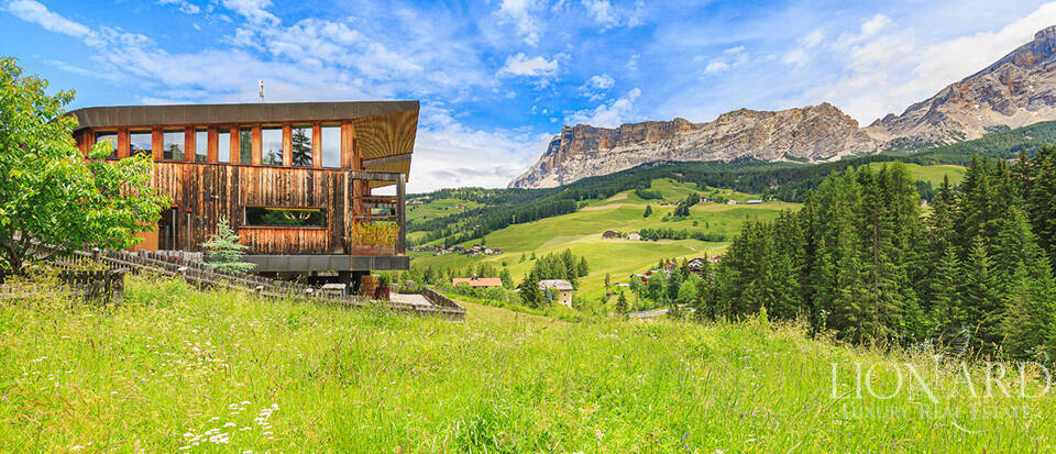 Luxurious chalet in the heart of Alta Badia Image 1